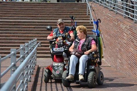corrimano disabili lo scivolo per disabili senza corrimano 232 a norma