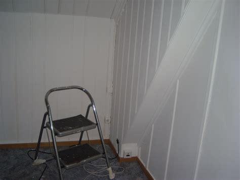 Schlafzimmer Mit Schräge Gestalten 4191 by Bett Im Wohnzimmer Ideen
