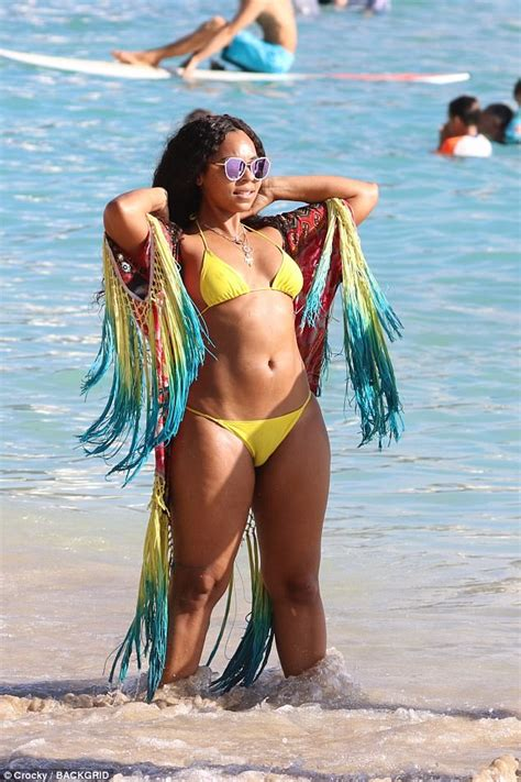Kaftan Ashati 03 ashanti flaunts figure in yellow in hawaii daily
