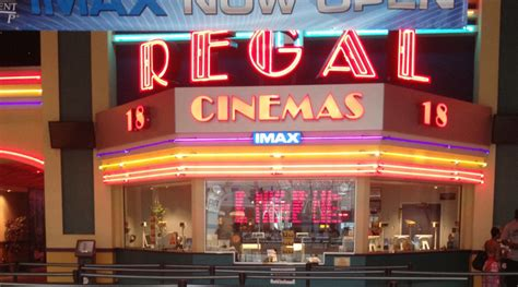 Cineplex Usa   cinema crackdown regal begins searching bags in wake of