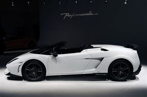 Lamborghini Gallardo Lp570 4 Spyder Performante Lamborghini Gallardo Lp 570 4 Spyder Performante Unveiled