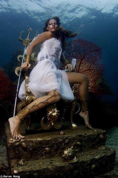 54 best underwater images on pinterest high fashion photography underwater photography fashion