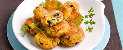 ricette fiori di merluzzo polpette di merluzzo e patate alle olive sale pepe