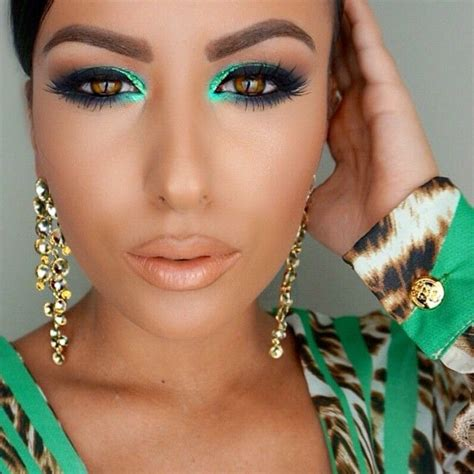 Murena Black Green green eyeshadows makeup picmia