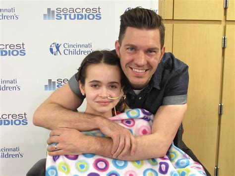 andy grammer fan patients sing keep your up with andy grammer at