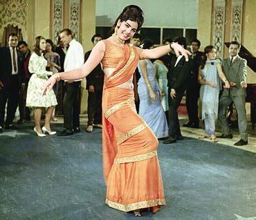 mumtaz saree draping style drapes stylepinch