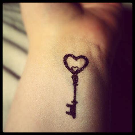 lock and key wrist tattoo key tattoos and designs page 32