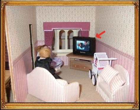 dolls house tv doks emporium doll house tv may be world s smallest functional set gizmodo australia