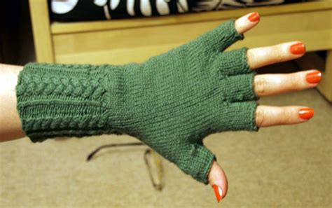 free pattern gloves knitting top 10 free patterns for knitting fingerless mittens top