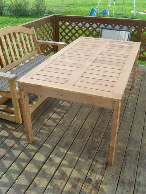 Patio Table Diy by Diy Outdoor Dining Tables The Garden Glove