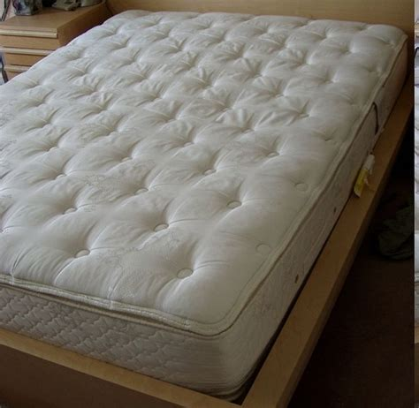 Blood Out Of Mattress by How To Remove Coffee Stains From Mattresses Ehow