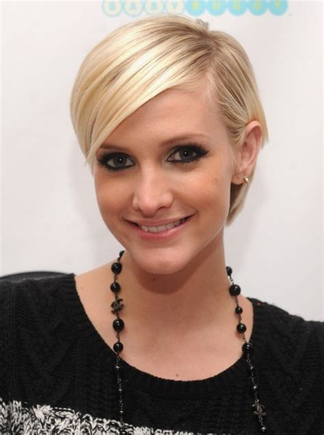 cut and style side bangs fine hair cute short blonde pixie cut with side bangs 2014 short