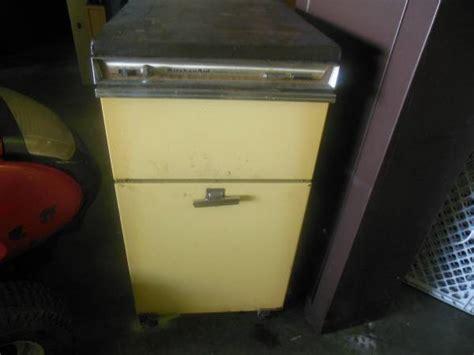 vintage   hobart kitchen aid trash compactor