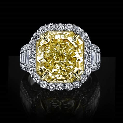 internally flawless 10 carat canary yellow