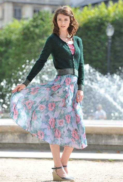 midi skirts to work best tops to add fashion