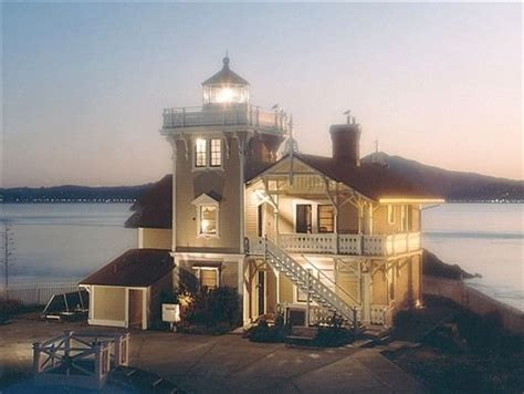 lighthouse bed and breakfast 233 best images about i want to live in a lighthouse on
