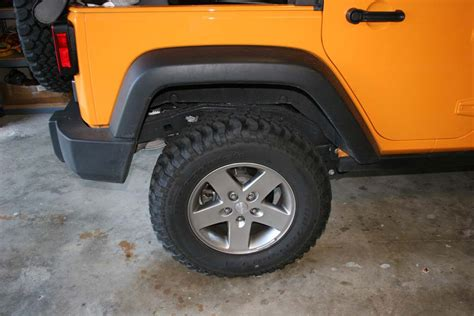 Jeep Tire Rotation 3 Up And Remove The Passenger Side Rear Tire