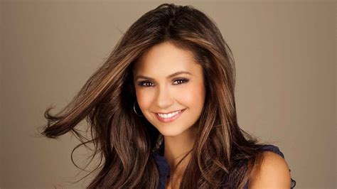 brunette actresses 2015 nina dobrev quitte the vire diaries