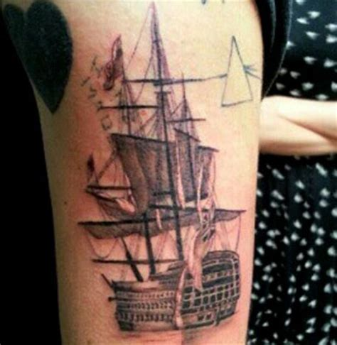 boat hand tattoo harry styles gets new boat tattoo with taylor swift in la