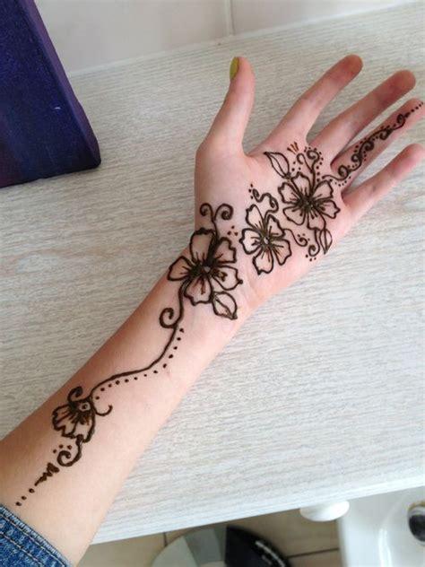 henna tattoo hand we heart it we it tattoos