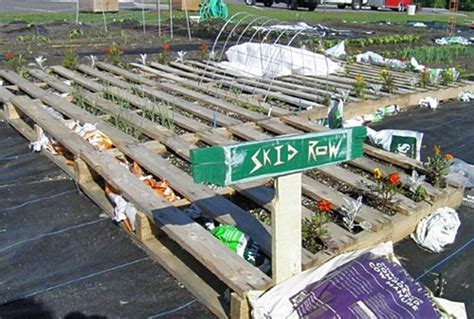 Gardener S Supply Company Intervale Recycled Pallets Garden Experiment Gardener S Supply
