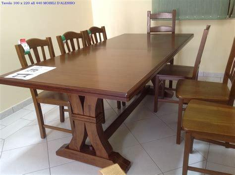 tavolo allungabile in legno massello con 8 sedie tavoli