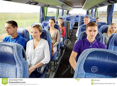 viaje en autobs grupo de pasajeros o de turistas en autob 250 s del viaje foto de archivo imagen 69203684