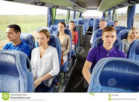 viaje en autobs 8423342352 grupo de pasajeros o de turistas en autob 250 s del viaje foto
