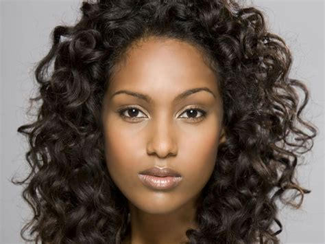 different sized women with gray hair with low light styles 45 verbl 252 ffende bilder von frisur mit locken archzine net