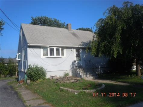 Houses For Sale Waterbury Ct by 33 Harland Ave Waterbury Ct 06705 Detailed Property Info