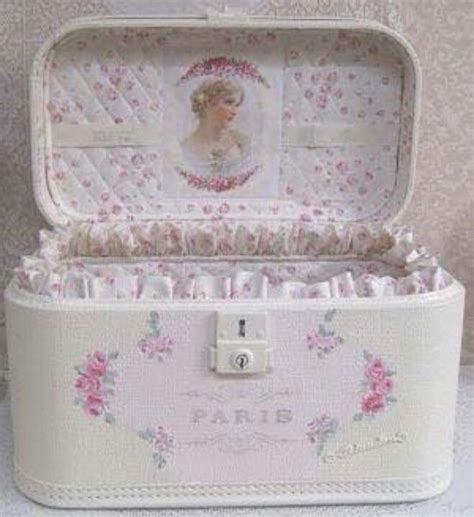 22 Best Chalk Paint 174 Craft Projects Anniesloan Shabby Chic Suitcase