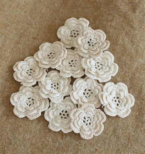 fiori a crochet vintage crochet flowers and rick rack roses
