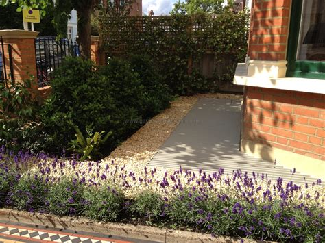 Lavender Hidcote Planted To Form A Small Hedge In Front Plants For Front Garden Ideas