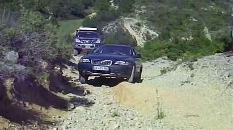 volvo road volvo xc70 vs jeep grand and freelander 4x4