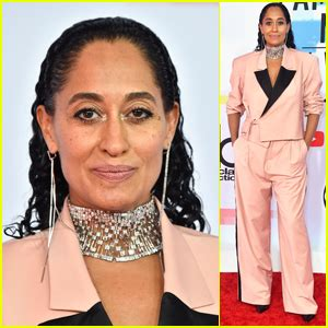 tracee ellis ross ama dance tracee ellis ross promotes voting at amas with i am a
