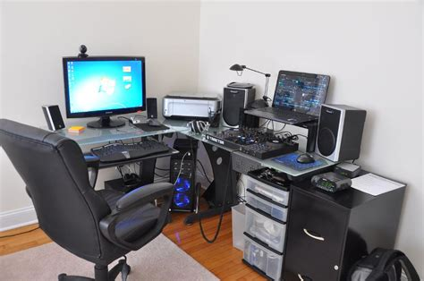 L Desks For Gaming L Shaped Or Standard Gaming Desk Which One Should You Choose Hom L Shaped Desk With Hutch