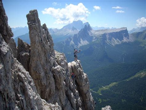 dolomite mountains italy picture dolomite mountains italy dolomite mountains italy mountains pinterest