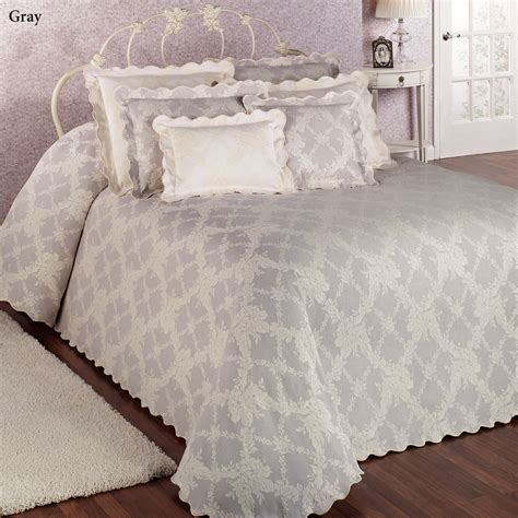 Oversized Bedspreads Lattice Floral Woven Matelasse Oversized Bedspreads