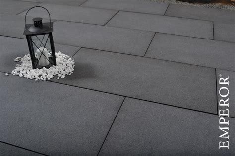 terrassenplatten keramik oder beton keramik terassenplatten nebenkosten f 252 r ein haus