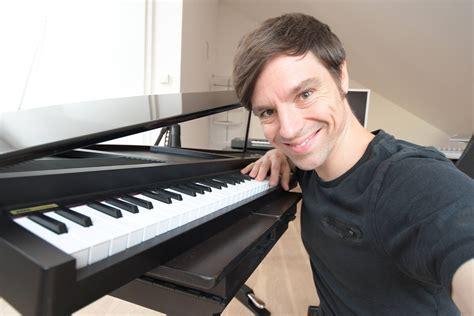 ab wann klavier lernen 5 gr 252 nde wieso klavier spielen lernen leichter ist als
