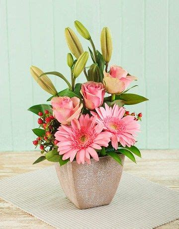 s day flower arrangements ideas 17 best images about easter flower on ceramics