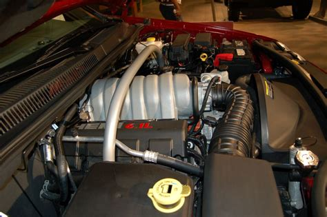 engine 6 1 apk hemi 6 1 liter engine engines car pictures by carjunky 174