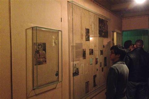 anne franks bedroom inside anne frank s secret annex jake ejercito are we