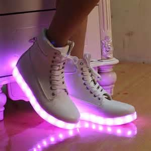 unisex new yeezy fashion led light up shoes for
