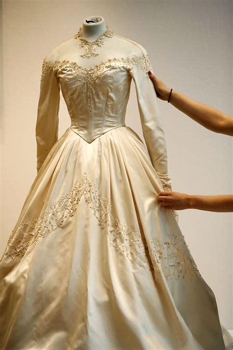 Dres Elizabeth elizabeth designer helen silver screen