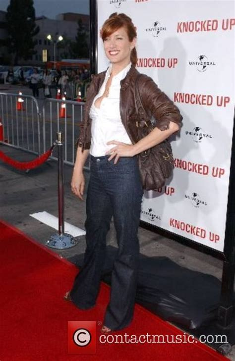 knocked up song swing kate walsh quot knocked up quot premiere arrivals 9 pictures