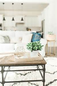 Modern Chic Home Decor 25 best ideas about modern chic bedrooms on pinterest