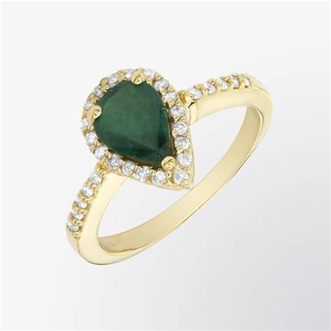 fifth bond pear shaped emerald and ring
