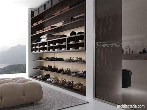 Rak Display Sepatu menata dan menghilangkan bau pada rak sepatu pt architectaria media cipta