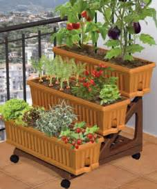 Pictures Of Gardens With Patios by Apartment Patio Gardens On Pinterest Apartment Garden